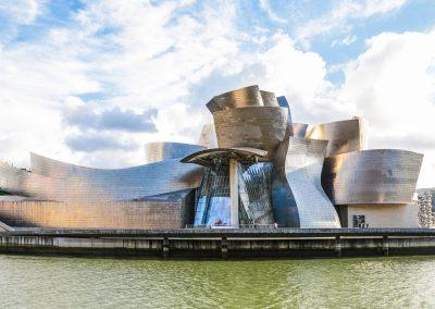 Frank O. Gehry – Guggenheim Museum Bilbao